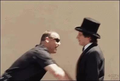 Enlace a Como trollear a un policía siendo mago