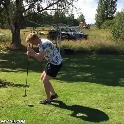 Enlace a Espero que este buen muchacho haya aprendido algo nuevo sobre el golf con este método