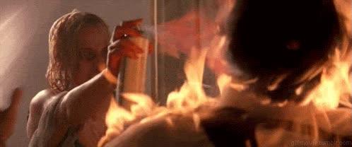 Enlace a Cuando te piden fuego por enésima vez cuando sales de fiesta
