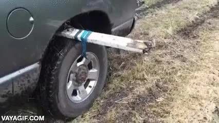 Enlace a Un buen y efectivo sistema para sacar tu coche atrapado en el barro