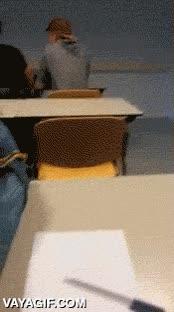 Enlace a Dormir en clase, jamás con este profesor