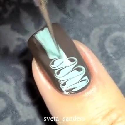 Enlace a Las hay que hacen verdaderas maravillas con sus uñas