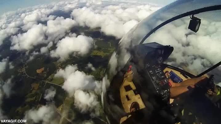 Enlace a Saltando desde un helicóptero a 1.500 metros de altura
