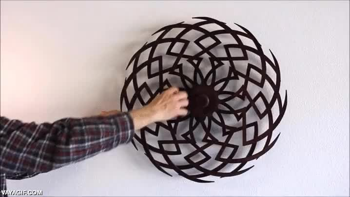 Enlace a En serio, quiero una escultura kinética como esta para mi salón