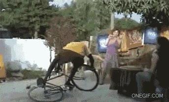 Enlace a Un hombre y su bicicleta, pura simbiosis