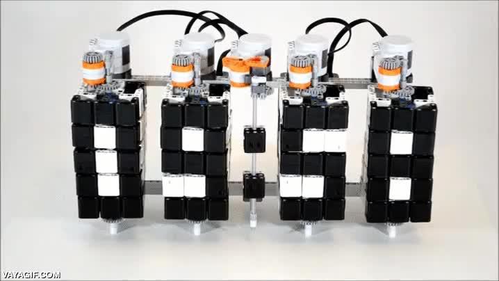 Enlace a Un reloj de Lego totalmente automatizado