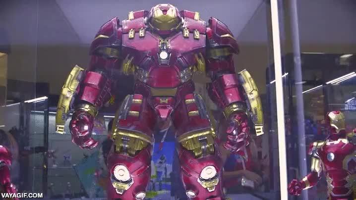 Enlace a El día que las figuras de acción llegaron al máximo nivel posible, atención a este Hulkbuster