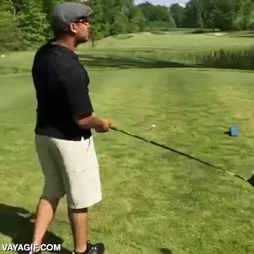Enlace a Por querer hacerte el gracioso delante de la cámara, adiós al palo de golf