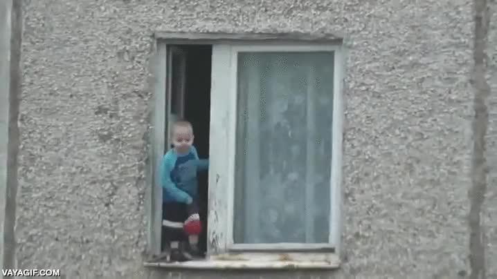 Enlace a El niño ruso que quería tomar un poco el fresco
