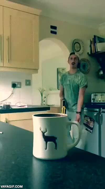 Enlace a El preparador de té más malote del mundo