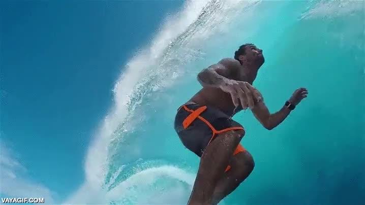 Enlace a Ojalá pudiera surfear una ola como esta en mi vida, me conformaría con eso, solo una vez