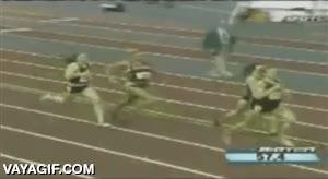 Enlace a Un ejemplo de heroicidad deportiva, se cae en carrera, se levanta y remonta