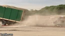 Enlace a Esto es lo que pasa cuando un camión choca contra un bolardo o un poste a alta velocidad