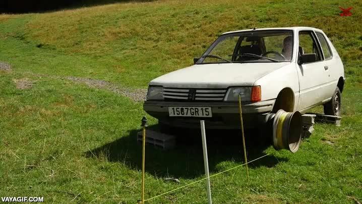 Enlace a ¿Tienes un coche viejo al que ya no puedas dar uso? ¿Qué tal esto?