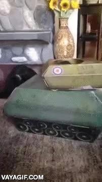 Enlace a Destruyendo un tanque enemigo