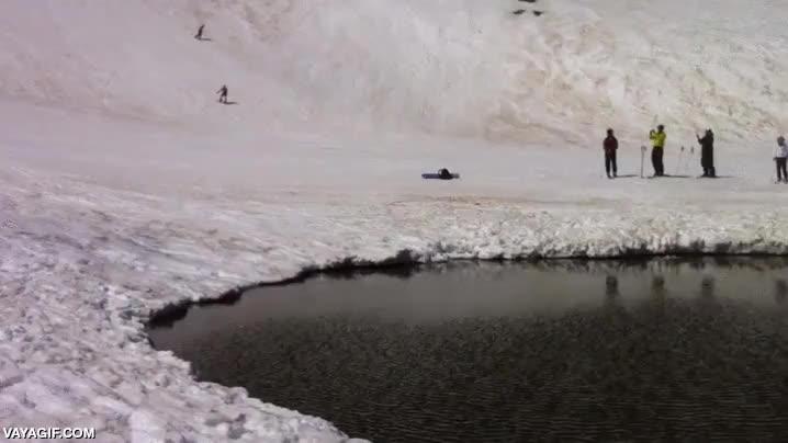 Enlace a ¿Te gusta el esquí alpino y el esquí náutico? ¿Por qué no combinarlos?