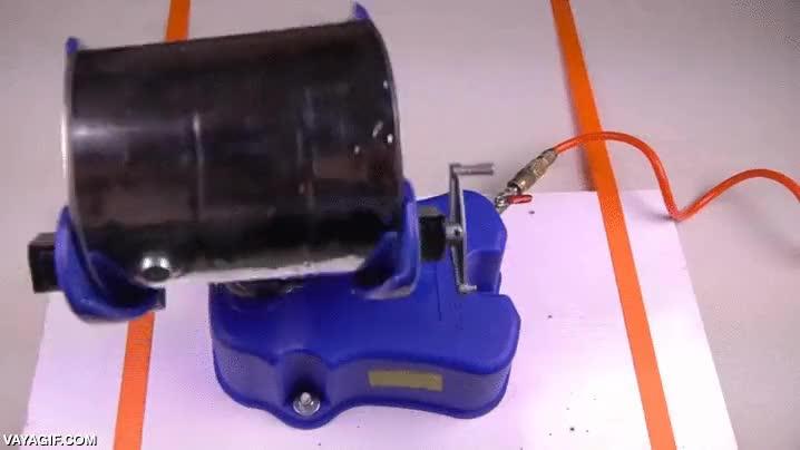 Enlace a El agitador de cubos de pintura que venció las leyes de la física