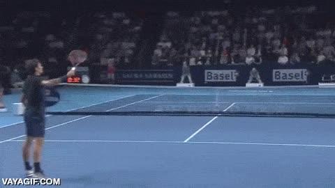 Enlace a Roger Federer, el máximo exponente del control y la elegancia en el tenis