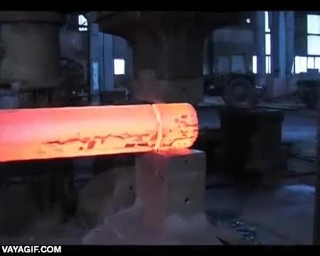 Enlace a Así se forja el acero a gran escala