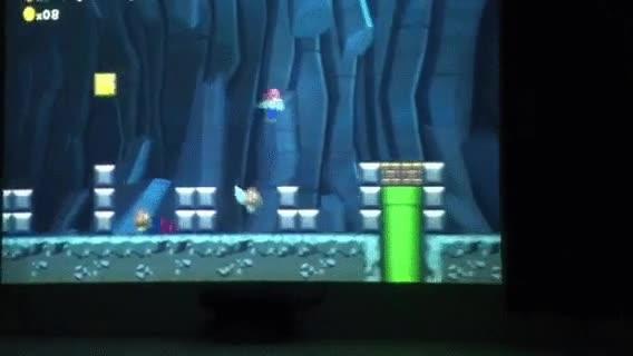 Enlace a Esto es lo que pasa cuando juegas al Mario en un proyector a pared completa y con un gato cerca