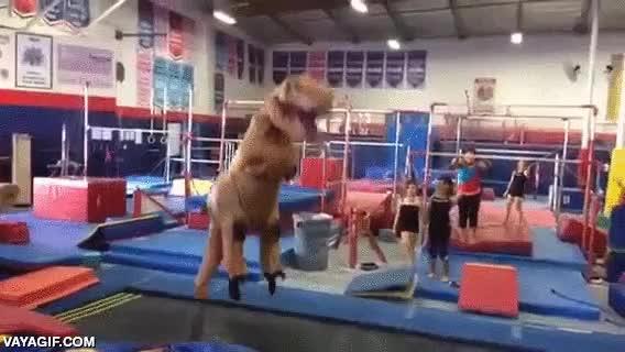 Enlace a Si en la peli de Jurassic Park hubiera camas elásticas, el T-Rex no tendría tanta mala leche