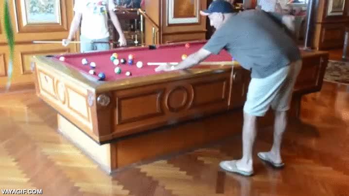Enlace a Maravilla tecnológica, una mesa de billar auto-estabilizada para jugar en un barco