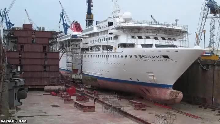 Enlace a Extendiendo la longitud de este crucero, toda una operación de ingeniería