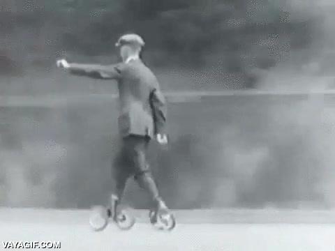 Enlace a Estos deben ser los bisabuelos de los patines en línea