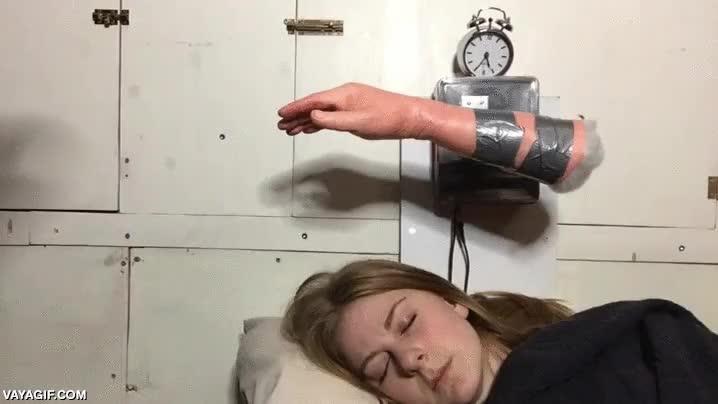 Enlace a No me despertaba con el despertador normal, así que...