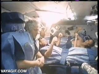 Enlace a Así se duerme en la Estación Espacial Internacional, sorprendentemente perturbador