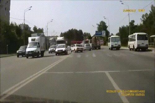 Enlace a El típico conductor normal en cualquier carretera de Rusia