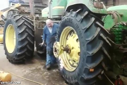 Enlace a El truco del fuego para inflar neumáticos también se aplica a los tractores