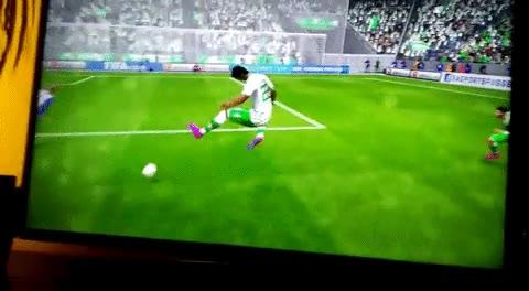 Enlace a Creo que se ha colado un personaje del Street Fighter en el FIFA