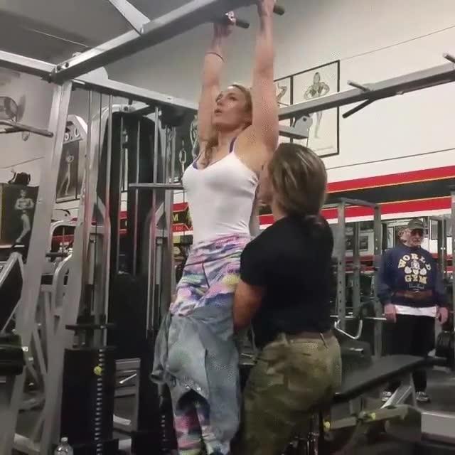 Enlace a Una mujer parapléjica que se negó a dejar de ir al gym, ¡bravo!