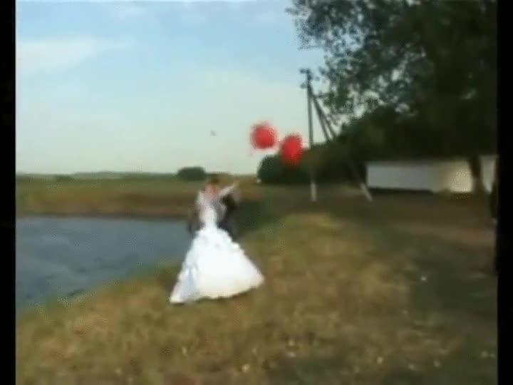 Enlace a No soy mucho de creer en las señales de la vida, pero algo me dice que este matrimonio no durará