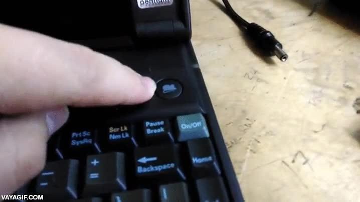 Enlace a Este portátil de 1993 no tenía trackpad, pero sí incluía ratón