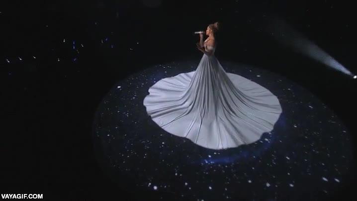 Enlace a El vestido más increíble que se ha hecho nunca