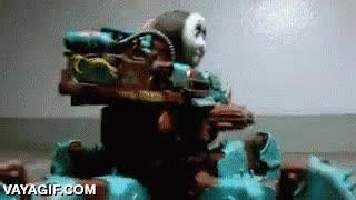 Enlace a Thomas, la locomora, que evolucionó en un monstruoso robot que ha venido a por tu alma
