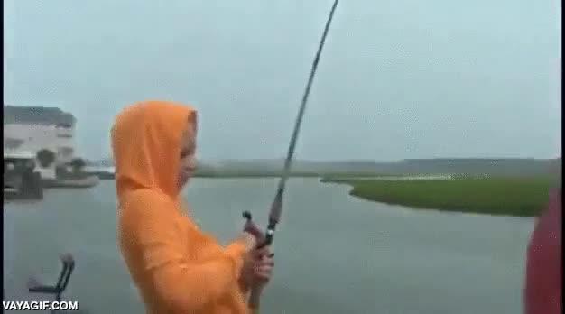 Enlace a ¡Gracias por facilitarme la pesca, humano!