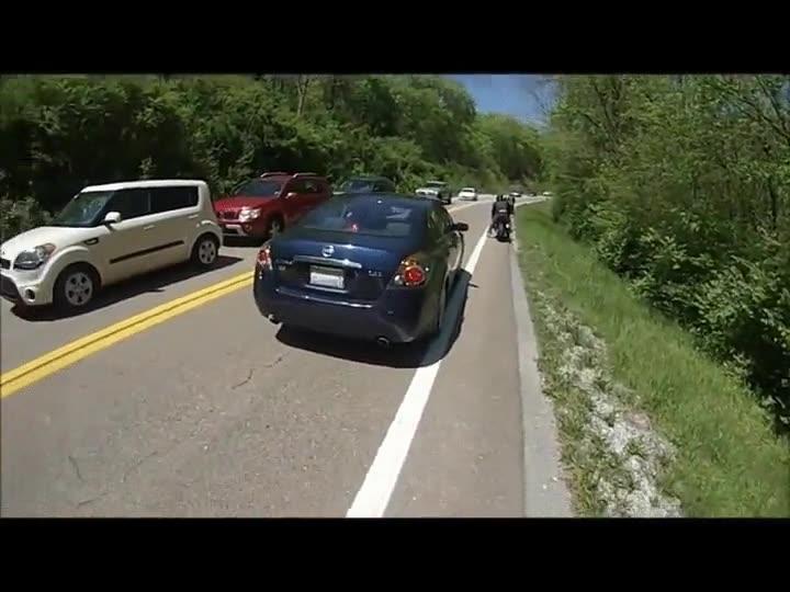 Enlace a Parar en mitad de la carretera puede tener sus riesgos