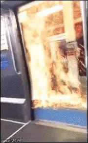 Enlace a Michael Bay patrocina este escape del tren