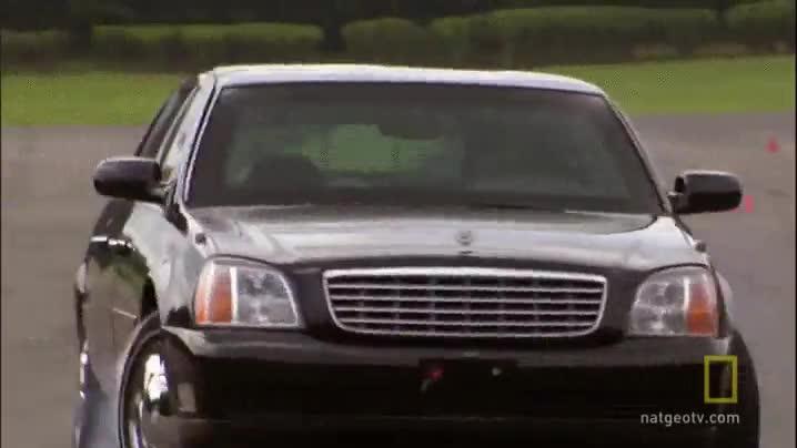 Enlace a Esta es la habilidad al volante del chófer del presidente de Estados Unidos, todo esto con limusina