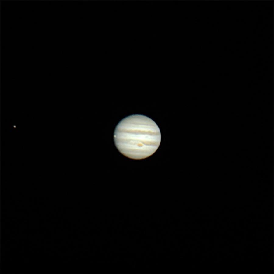 Enlace a Jupiter en timelapse desde el patio de un astrónomo aficionado grabado con su DSLR