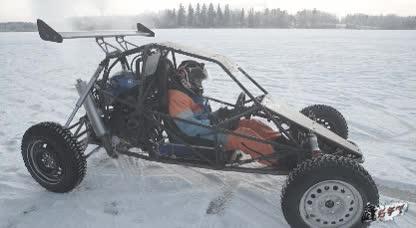 Enlace a Esto es un Crosskart y funciona fantásticamente sobre el hielo