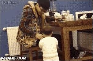 Enlace a Después de ver ésto no volverás a aceptar el vaso de agua de un niño