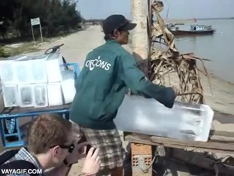 Enlace a La forma más rápida de transportar el hielo para tu fiesta de mojitos en alta mar