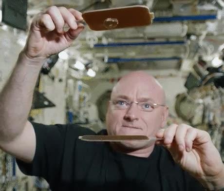 Enlace a Ping Pong líquido, el deporte favorito de los astronautas