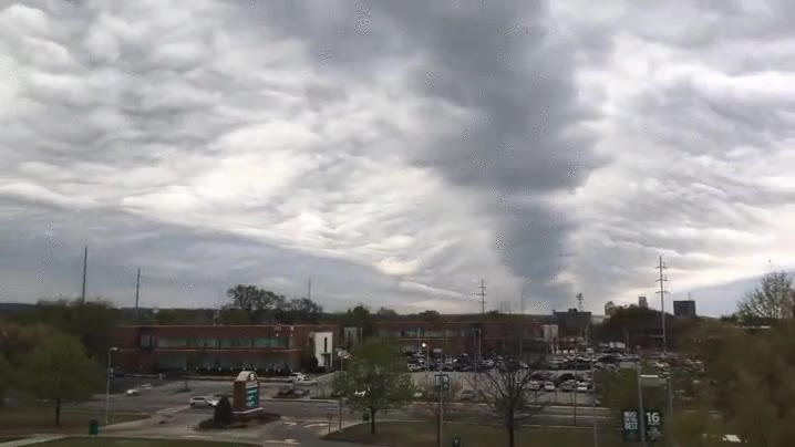Enlace a El alucinante paso de las nubes a cámara rápida que te dejará sin palabras