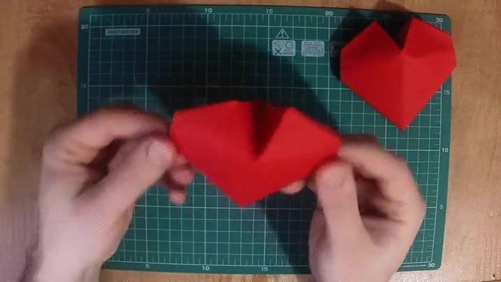 Enlace a Ideas para San Valentin: un corazón origami
