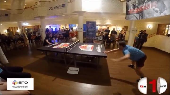 Enlace a Esta jugada de Ping Pong Cabeza es simplemente alucinante